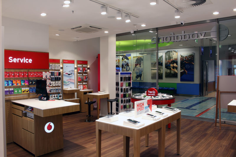 Vodafone Shop Hamburg Mundsburg Center Hamburger Str. 19-47 EKZ 22083 Hamburg Innenansicht Beratung Smartphones Center