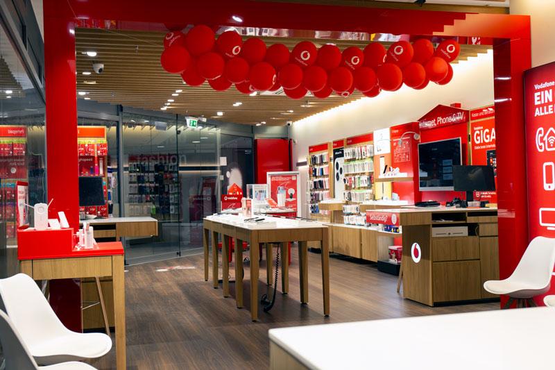 Vodafone Shop Herold-Center Berliner Allee 38-44a 22850 Norderstedt Innenansicht Smartphones Beratung