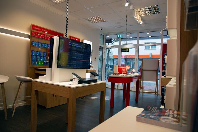 Vodafone Shop Wedel Bahnhofstraße 44 a, 22880 Wedel Innenansicht Kasse Smartphones