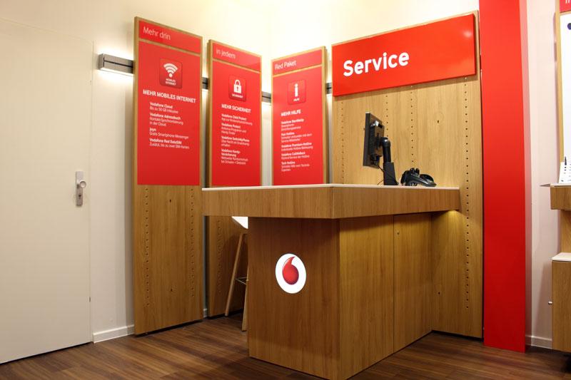 Vodafone Shop Hamburg Farmsen Berner Heerweg 173 Innennansicht Beratertisch